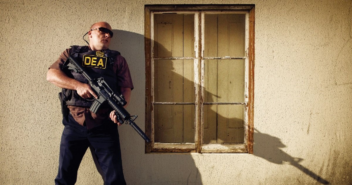The DEA and Breaking Bad: Why Hank Never Tapped Jesse's Phone