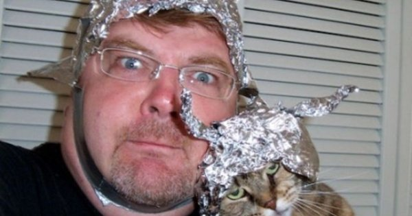 Disinfowars 1 – Are Conspiracy Theories a Good Thing?