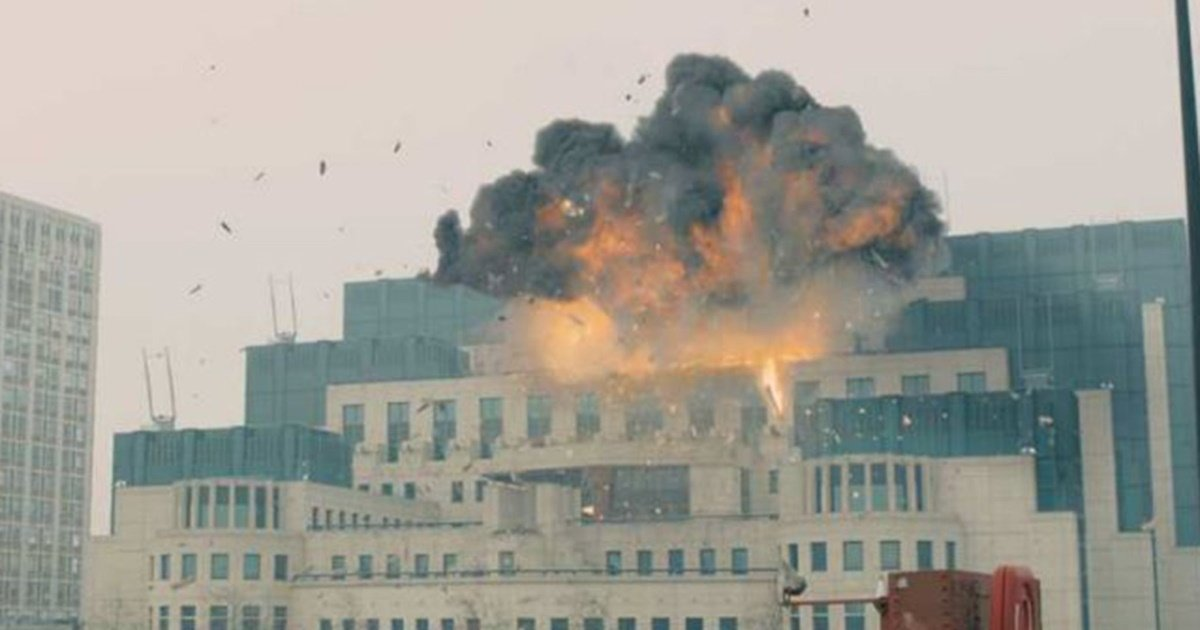 Ex-MI6 Boss Says he Wouldn't Have Allowed Skyfall to Blow Up MI6 HQ