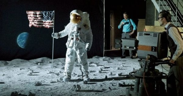 ClandesTime 089 - Conspiracy Theories: The Moon Landings