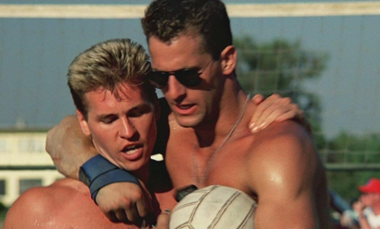 top-gun-volleyball-embrace